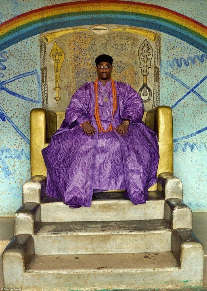 Agbor Benjamin Ikenchuku Keagborekuzi I - Devenu roi à seulement 4 mois suite à la mort de son père, c'est le plus jeune roi au monde