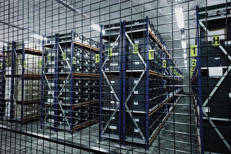 Chaque boite contient des graines, qui sont réparties entre les trois salles du chambres fortes du complexe. © Ministère norvégien de l'agriculture
