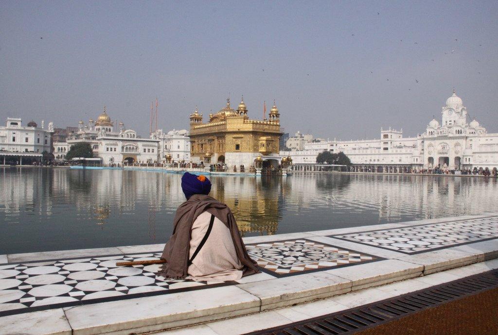 Célébration du Gourou Nanak au Pakistan : un pèlerinage d'importance pour de nombreux sikhs indiens