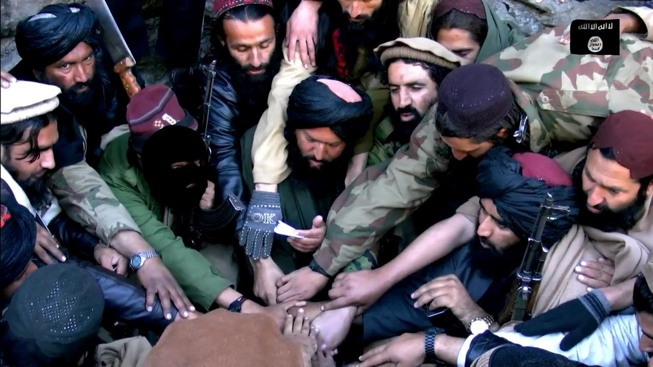 © Wikipedia - Cérémonie d'allégeance de Taliban pakistanais à l'Etat islamique